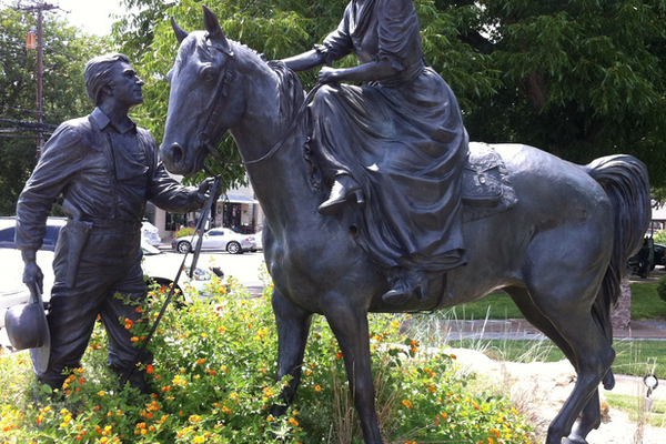 Bronze statue of Charles Barnard and his wife Juana, created by local artist Robert Summers. Photo courtesy of Pete unseth