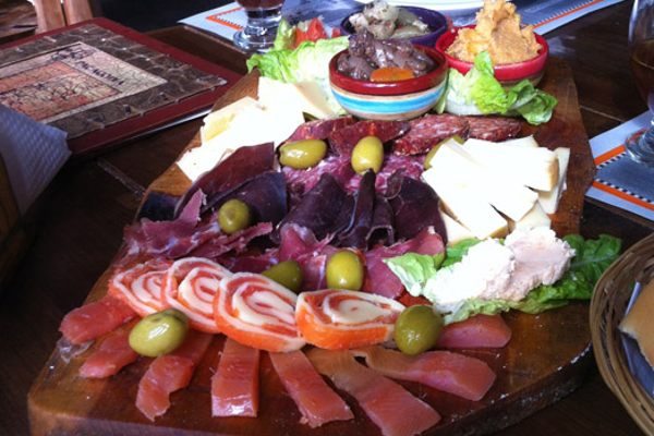 Bariloche also presents locavore treats like smoked fish and cheese platters.