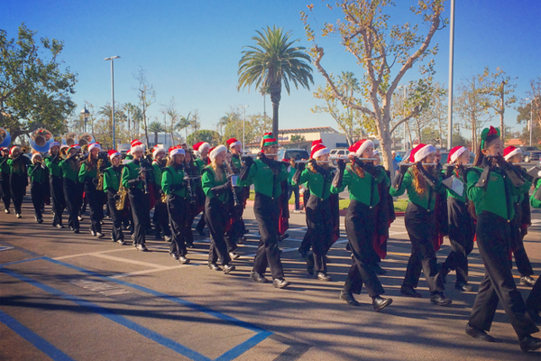 A sunny Southern California holiday parade