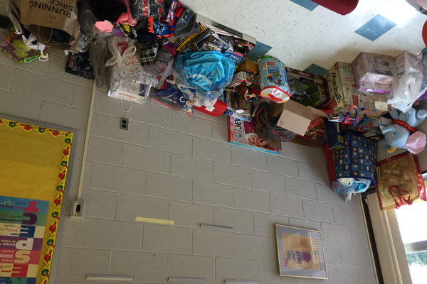 Dewing School's Do-Gooders are giving back this Christmas Season.