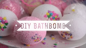 Medium bathbomb