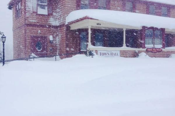 Tewksbury Town Hall at 9 a.m., photo by Mark Kratman.