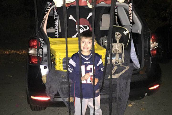 Trunk or Treating at the Dewing School