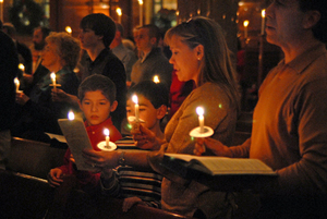 Medium candlelight service 3