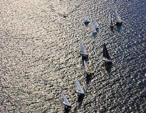 Medium sailboat races