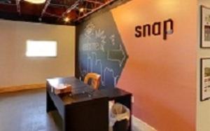Medium snap agency tour shot