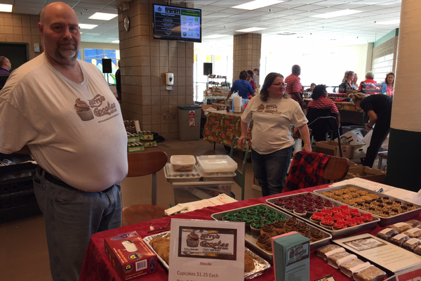 Indoor Maple Grove Farmers Market 2016 (photo by Wendy Erlien)