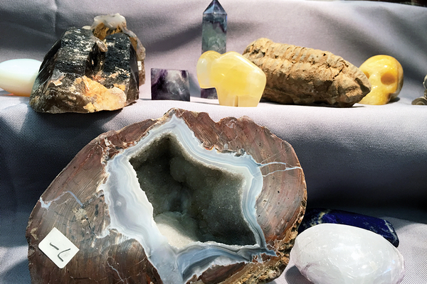 Vendors sold rocks of all shapes and sizes at the Education Rock and Gem Show at the Viridian Event Center on Oct. 21–23. (Tori La Rue/City Journals)