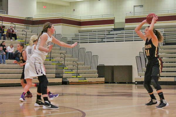Maple Grove Senior High Girls Basketball team verses Buffalo High School Dec. 10, 2016. (photo by Wendy Erlien)