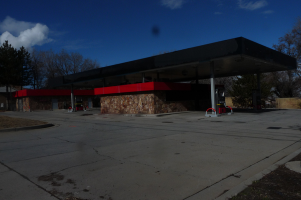 A brand-new gas station is expected to replace this older, closed facility west of the Taylorsville City offices. (Carl Fauver/City Journals)