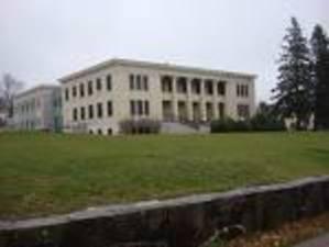 Medium courthouse 1 1