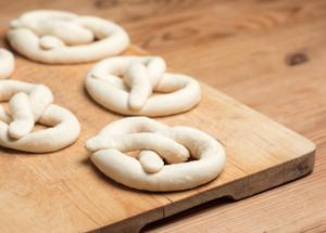 Medium pretzels 20twists 20event 20  20xsm