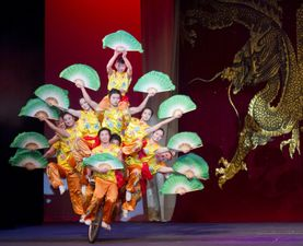 Medium peking 20chinese 20acrobats