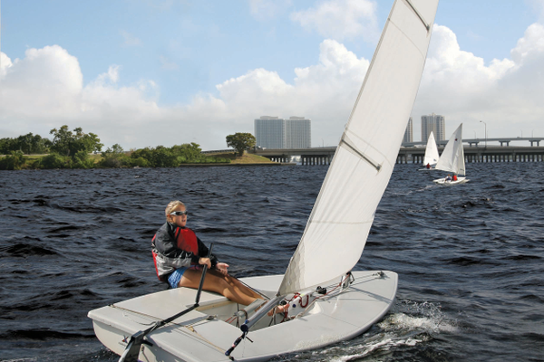 Youngsters gain selfconfidence, along with experiencing the joy and the thrill of the open seas, by participating in Edison Sailing Center courses. Photo by Brian Stromlund.