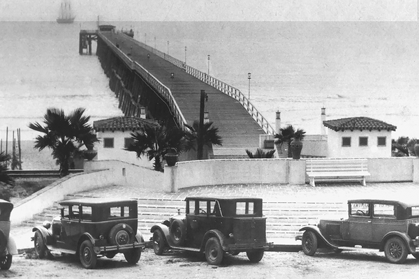 The pier in the 1930s.