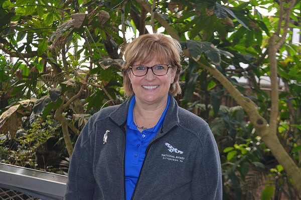 Wolfslayer Named National Aviary Volunteer of the Year
