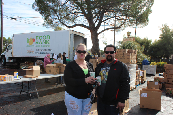 Foodbankjessica 20and 20husband 20of 20magalia