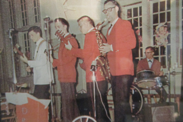 The Pilt Down Five, rocking out in 1964.