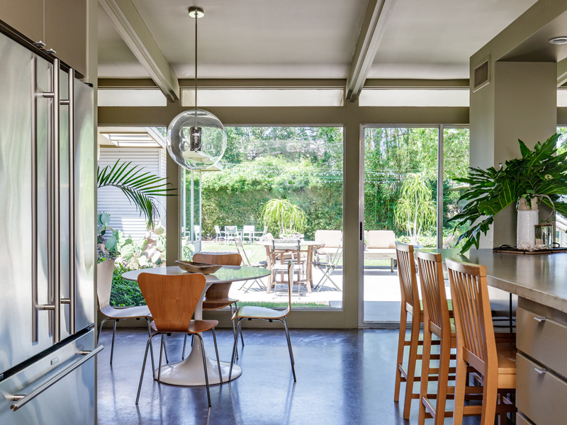 A Mid Century Modern Work Of Art The Bend Magazine,What Is The Best Color For A Metal Roof