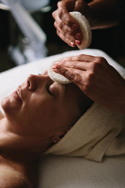 Via Mia Spa is a state-licensed, in-home spa that provides waxing, skin-care services, and makeup artistry.